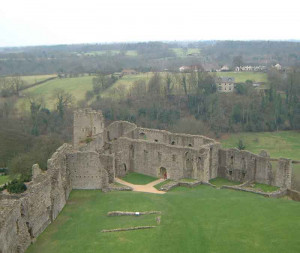 Château de Richmond - murs vus du Donjon 01