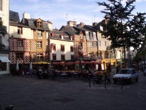 1200px-Rennes_Place_Rallier_du_Baty